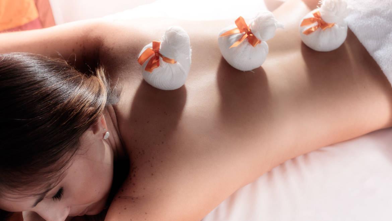 Massagem com pindas sweda