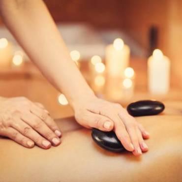 Massagem das pedras quentes